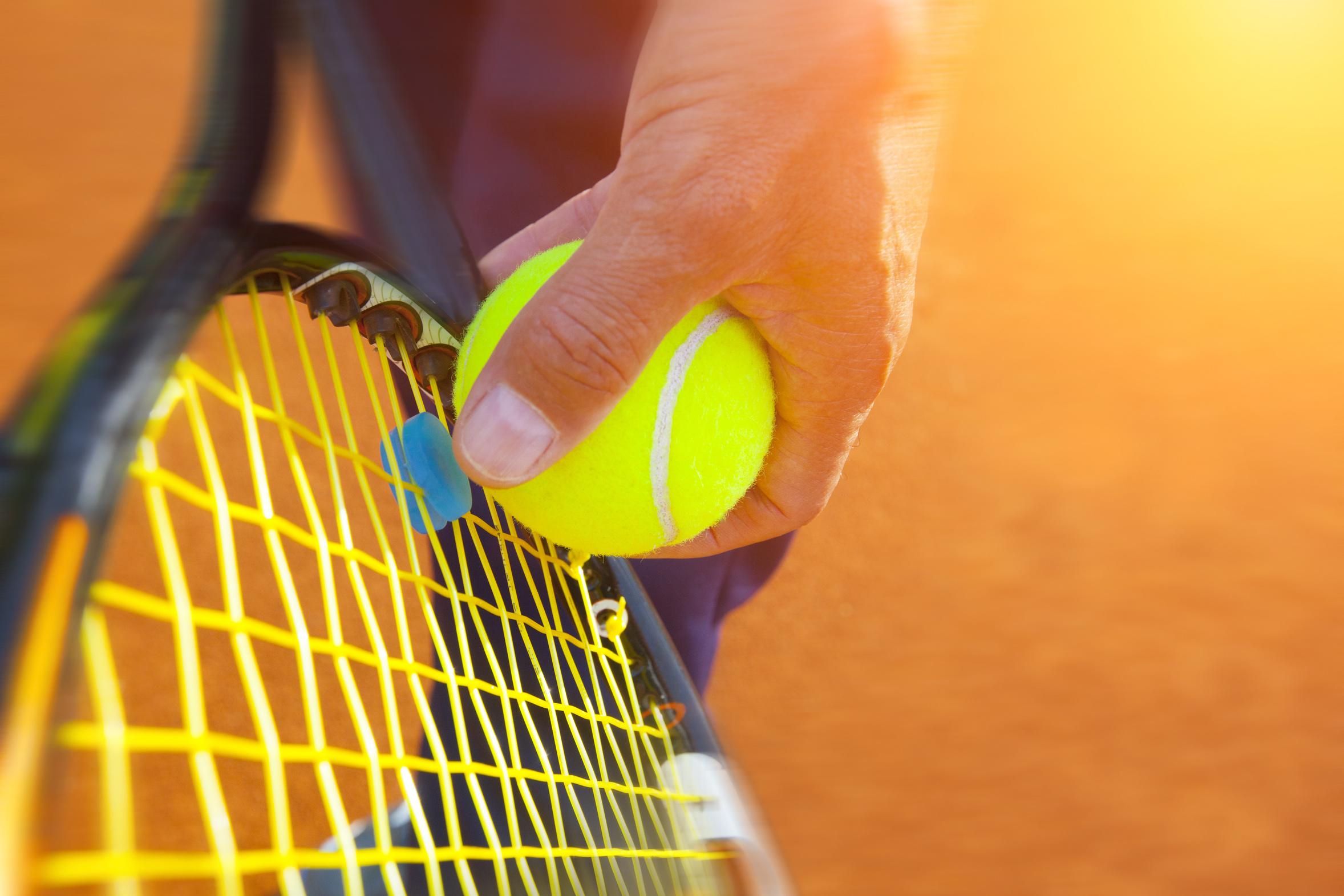 tennis-ball-on-a-tennis-court